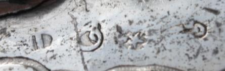 merktekens: ID -Q (omgekeerd) ster - onduidelijk