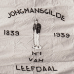 1977 Vendelzwaaien in ere hersteld